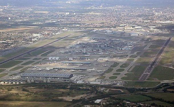 پیدا شدن بستههای انفجاری در فرودگاهها و ایستگاه قطار لندن