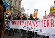 تظاهرات دههاهزار نفری لندنیها علیه نژادپرستی و اسلام هراسی