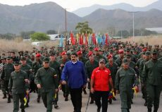 پیام ارتش ونزوئلا به آمریکا: سلاح در دست، منتظرتان هستیم