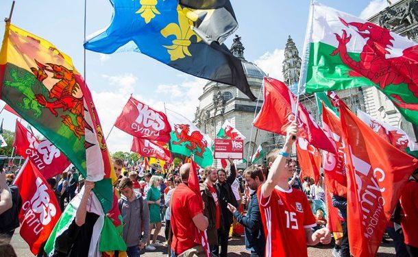 هزاران ولزی استقلال از بریتانیا را خواستار شدند