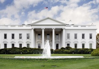 تحقیر کاخ الیزه توسط کاخ سفید