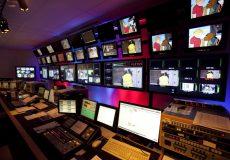 كيفيت توليدات دهه اخير تلويزيون رنگباخته است