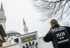 تعرض به دو مسجد در آلمان و هتک حرمتِ قرآن کریم