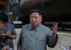 بازدید رهبر کره شمالی از زیردریایی غولپیکر بومی با قابلیت حمل موشک بالستیک