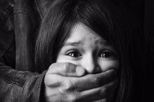 علتشناسی پدیده کودکآزاری