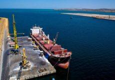 پهلوگیری ۵ کشتی حامل کالای اساسی کشور در بندر چابهار