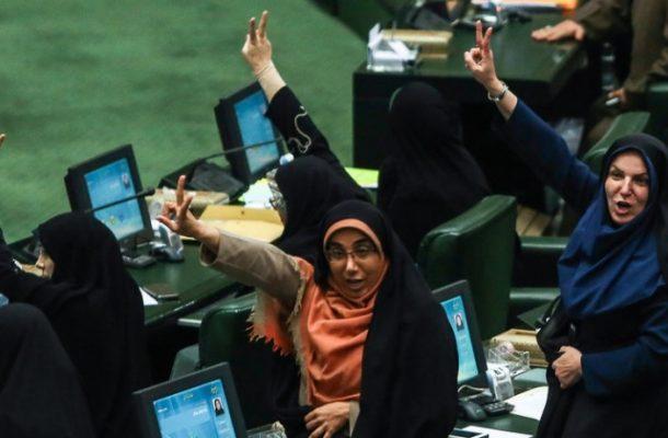 مطالبات جامعه زنان، دستاویزی برای رسیدن به قدرت!