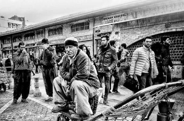 مبارزه با فقر در نظام جمهوری اسلامی ایران