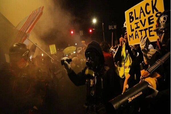 ترامپ : خودم به حساب معترضان پورتلندی میرسم
