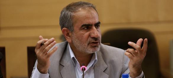 رزم حسینی قادر به ساماندهی وزارت صمت است