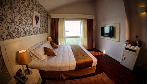 سوئیت رویال هتل ترنج کیش رو به دریا