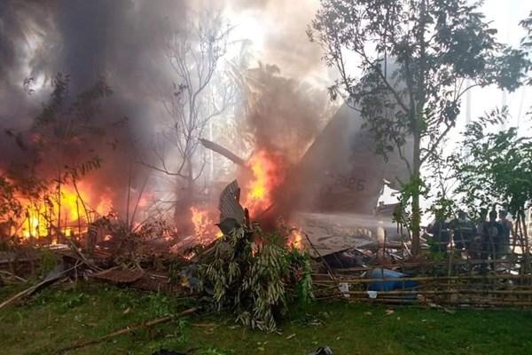 سقوط هواپیمای نظامی فیلیپین/ دستکم ۱۷ تن کشته شدند
