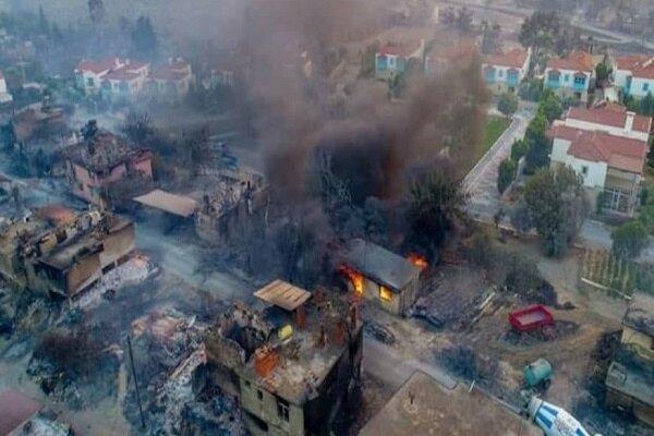 آتشسوزی مهیب جنگلی در ترکیه/ بیش از ۱۸۰ نفر مصدوم شدند
